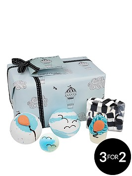 bomb-cosmetics-come-fly-with-me-gift-set