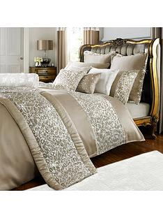 by-caprice-animale-duvet-cover