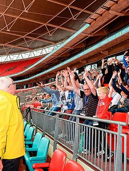virgin-experience-days-family-tour-of-wembley-stadium