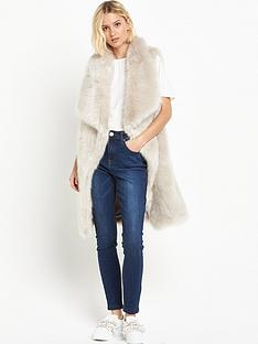 lost-ink-waterfall-faux-fur-gilet-light-grey
