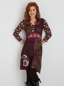 joe-browns-statement-dress