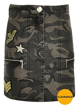 river-island-girls-camouflage-badge-denim-skirt
