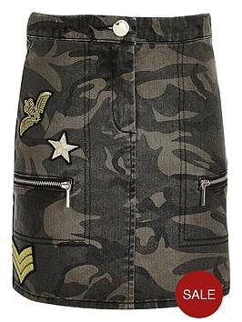river-island-girls-camouflage-badge-denim-skirt