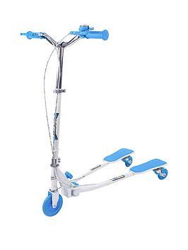 boy-scissor-scooter