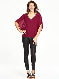 wallis-v-neck-hotfix-overlayer