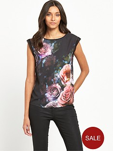 oasis-gothic-bloom-t-shirt