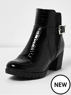 river-island-girls-patent-buckle-boots