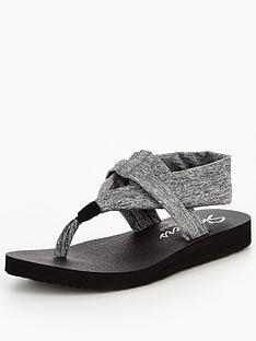 skechers-meditation-studio-kick-sandal