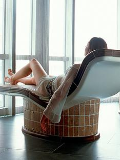 virgin-experience-days-city-spa-and-bubbles-for-two-at-a-radisson-blu-edwardian-hotel