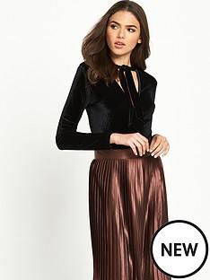 glamorous-choker-collar-velvet-body-black