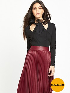 lost-ink-chiffon-ruffle-neck-body