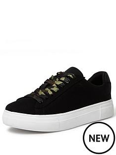 river-island-camo-laces-trainer-black
