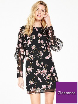 v-by-very-ruffle-printed-dress