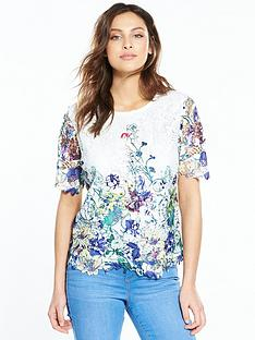 v-by-very-printed-lace-top