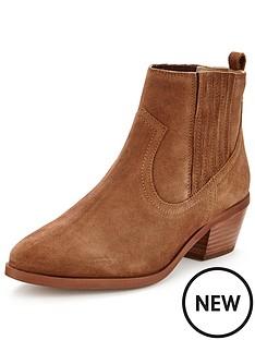 dune-quiz-coverage-gusset-boot