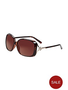 lipsy-oversized-logo-sunglasses