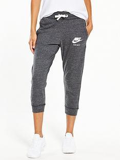 nike-sportswear-gym-vintage-capri