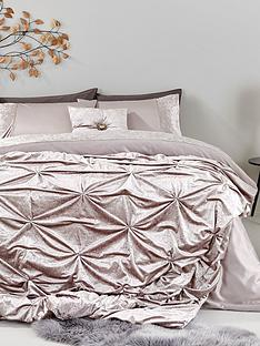 amelie-crushed-velvet-panel-with-diamente-detail-duvet-set-ks