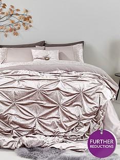amelie-crushed-velvet-bedspread-thrownbsp