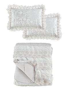 patience-bedspread-throw-and-pillow-shams