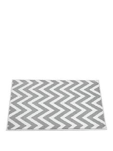 chevron-bath-mat-in-grey