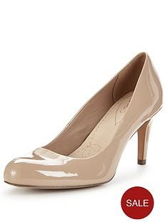clarks-carlita-cove-low-heel-court-shoe