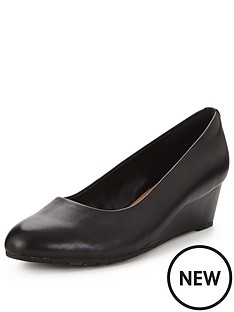 clarks-clarks-vendra-bloom-low-wedge-shoe