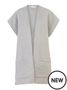 warehouse-pocket-scarf-wrap