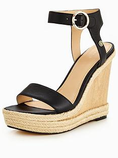 tommy-hilfiger-beatrice-platform-sandal