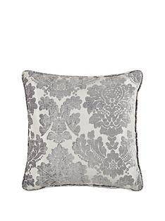 damask-cushion