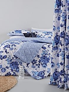 catherine-lansfield-pippa-floral-rose-bedspread-throw