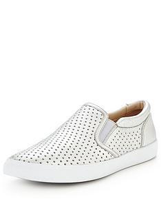 clarks-glove-puppet-skate-shoe