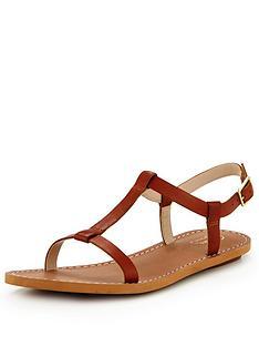 clarks-voyage-hop-flat-sandal