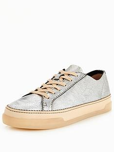 clarks-hidi-holly-silver-weekend-trainer