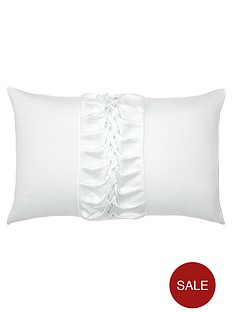 kylie-minogue-felicity-housewife-pillowcase