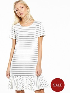 vila-ruffelow-short-sleeve-dress