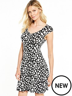v-by-very-ruched-front-short-sleeve-skater-dress