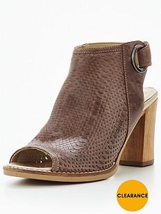 moda-in-pelle-moda-in-pelle-lirra-high-vamp-sandal-with-elastic