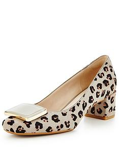 clarks-chinaberry-leopard-court-shoe