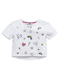 mini-v-by-very-toddler-girls-printed-badge-t-shirt