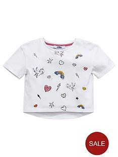 mini-v-by-very-toddler-girls-printed-badge-t-shirt