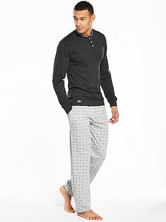 lacoste-longsleeve-jersey-pyjama