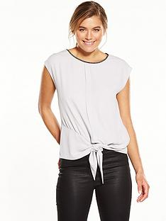 oasis-embellished-neck-tie-front-tee