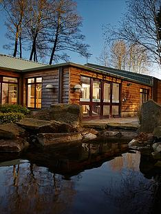 virgin-experience-days-one-night-cotswolds-break-with-dinner-for-two-at-the-fish-hotelnbspworcestershirenbsp