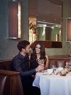 virgin-experience-days-champagne-afternoon-tea-for-two-at-the-luxury-5-lowry-hotel-manchester