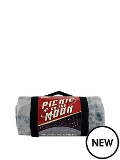 picnic-on-the-moon