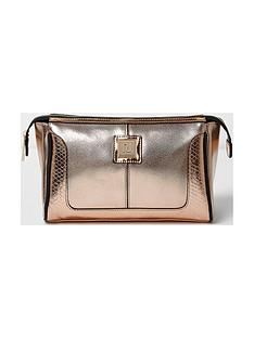 river-island-rose-gold-make-up-bag