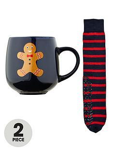 totes-isotoner-totes-gingerbread-man-sock-amp-mug