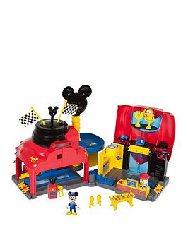 mickey-mouse-mickey-the-roadster-racers-garage