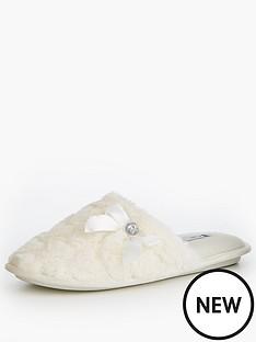 v-by-very-snowy-heart-print-fur-mule-slipper-white
